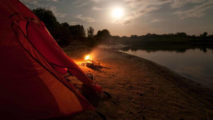 Zelten am Fluss Paddeltour
